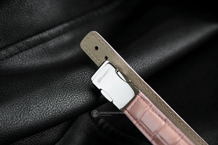 Casio nữSHN-4019LP-7ADR được trang bị khóa bướm bảo vệ dây da