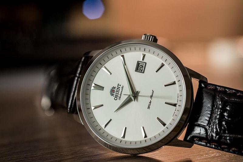 Dưới 4 triệu - Trên tay đồng hồ Orient Automatic nam FER27007W0 dây da- Mặt đồng hồ
