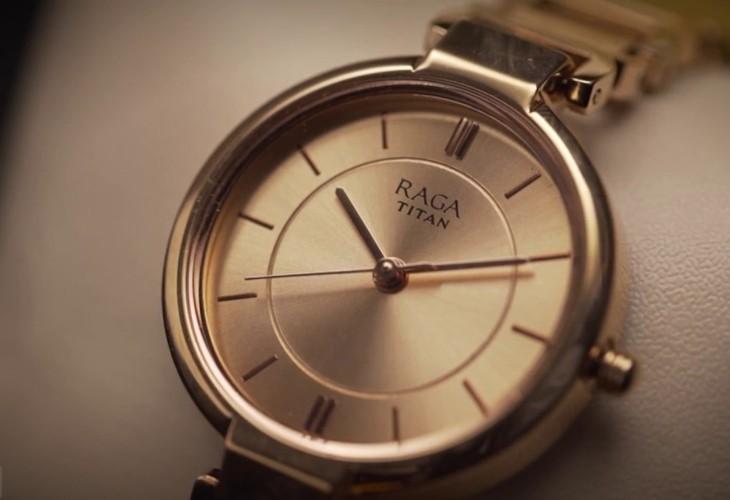 thương hiệu đồng hồ titan.jpg