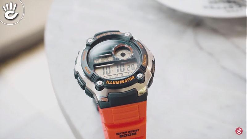 Không những có bề ngoài lạ mắt, chiếc đồng hồ này còn có nhiều tính năng hữu ích - AE-2100W-4AVDF