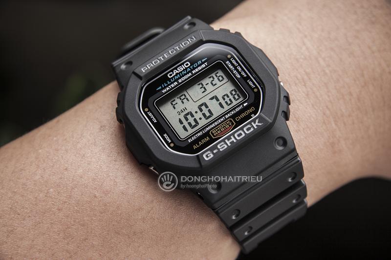 Bề ngoài mạnh mẽ kết hợp với nhiều tính năng nổi bật của chiếcđồng hồ G-Shock DW 5600E - DW-5600E-1VDF