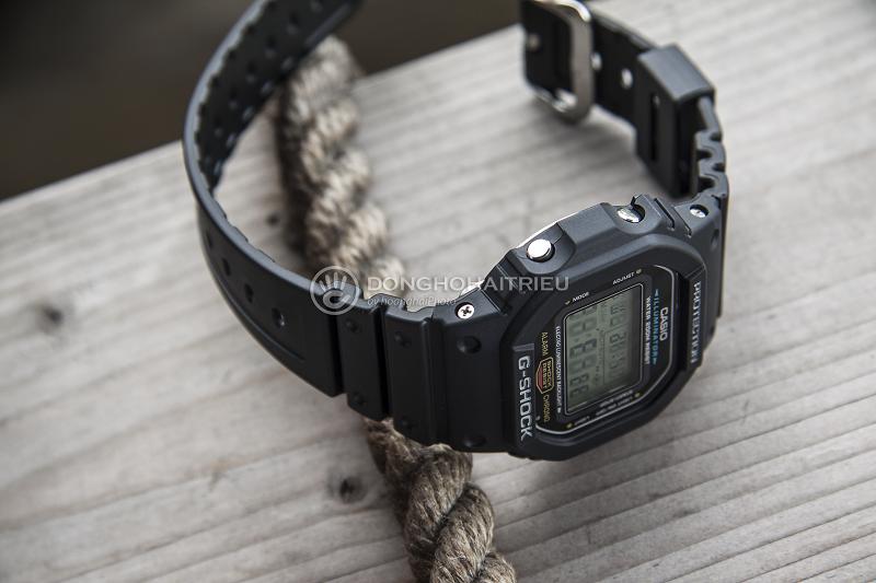 Thiết kế đơn giản với tone đen chủ đạo dễ dàng phối được nhiều trang phục khác nhau - DW-5600E-1VDF