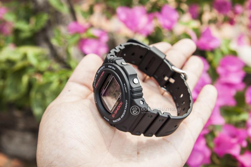 Thiết kế vẻ ngoài mạnh mẽ,DW-5750 còn có những tính năng cơ bản hữu dụng - G-Shock DW-5750E