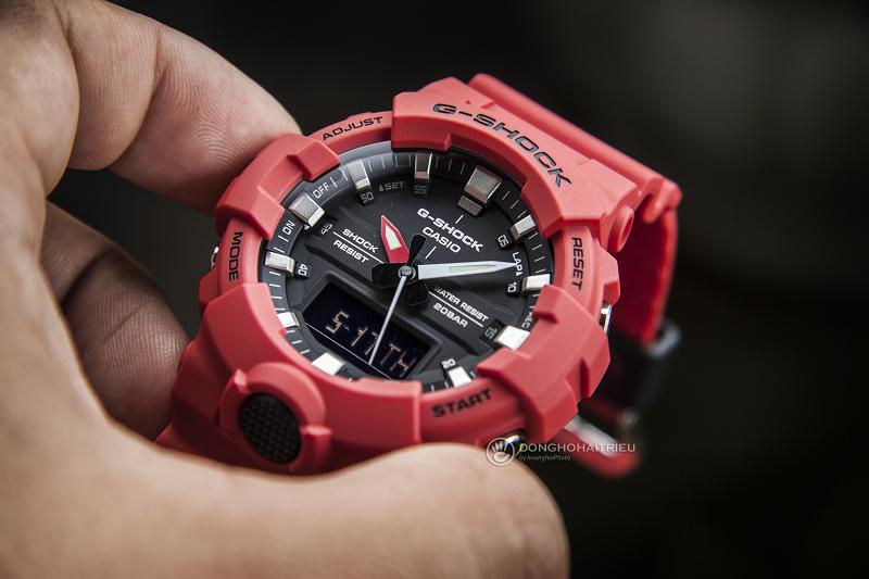 Mẫu đồng hồ với tông đỏ thời thượng và năng động - GA-800-4ADR