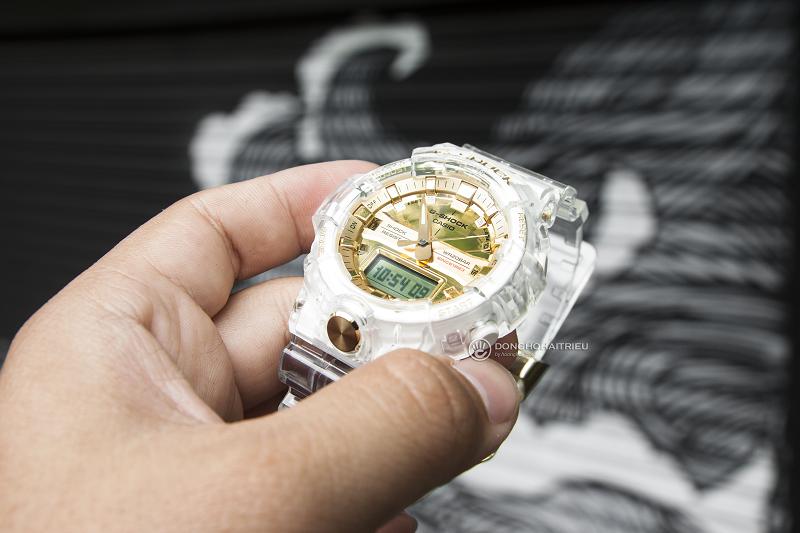 Mặt đồng hồ G-SHOCK GA-835E được tráng gương màu vàng gold rất tinh tế
