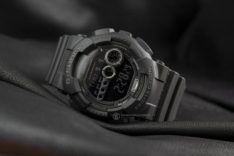 Toàn bộ chiếc đồng hồ được hoàn thiện với tone đen huyền bí, tạo vẻ mạnh mẽ - GD-100-1BDR