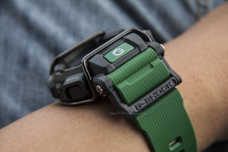 Vỏ màu đen mạnh mẽ kết hợp dây đeo cao su màu xanh độc đáo - G-SHOCK GD-400-3DR