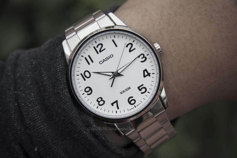 Chiếc đồng hồCasio MTP-1303D được thiết kế vẻ ngoài sang trọng, lịch lãm - MTP-1303D-7BVDF