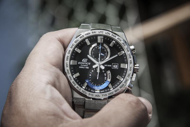 Mặt đồng hồ với kiểu dáng góc cạnh tạo sự mạnh mẽ, thu hút - EFR-542D-1AVUDF