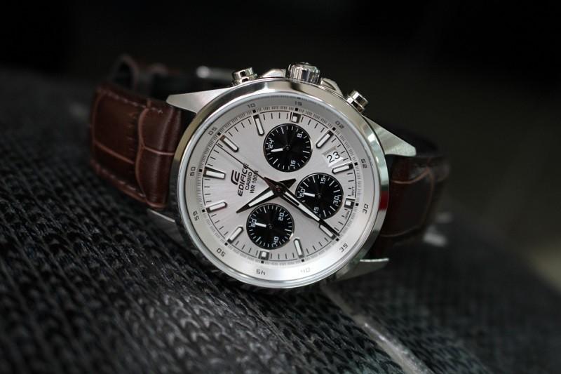 Chỉ 3 Triệu - Review chiếc đồng hồ nam Casio Edifice EFR-527L 6 Kim - EFR-527L-7AVUDF