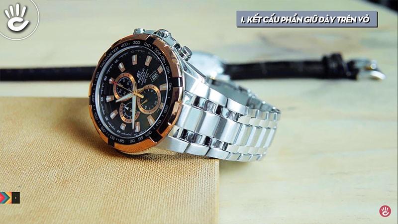 Đồng hồ dây da và kim loại đều mang lại vẻ đẹp cho người đeo