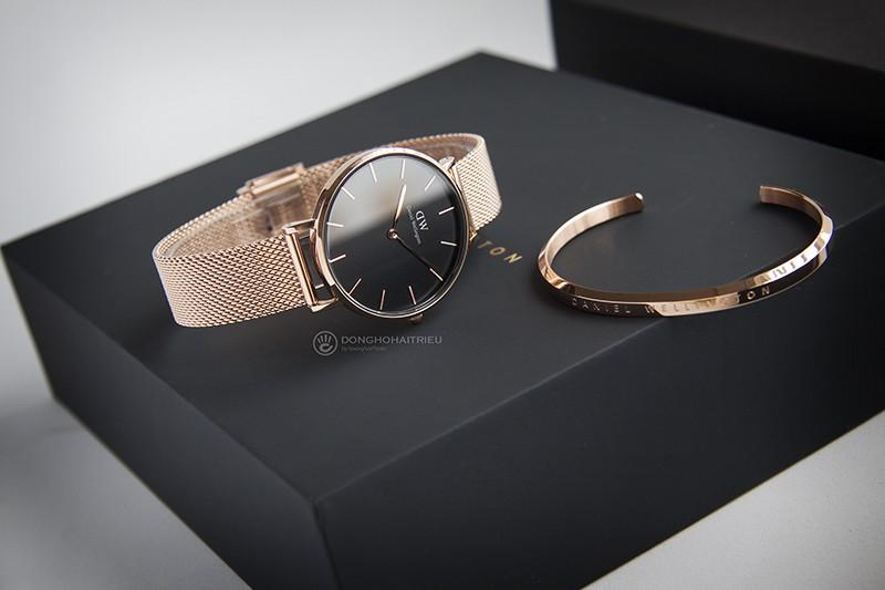 Cách chọn size mặt đồng hồ DW phù hợp với cổ tay nam và nữ - DW00500001