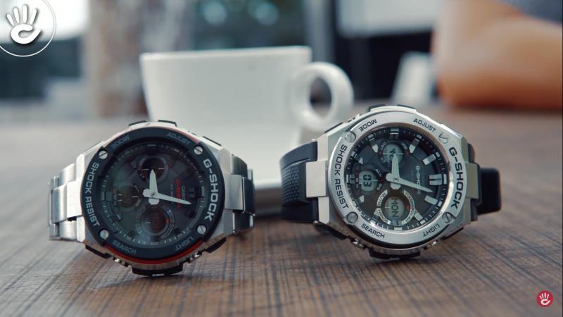 Chiếc G-Shock GST-S100 bên trái và chiếc G-Shock GST-S110 bên phải