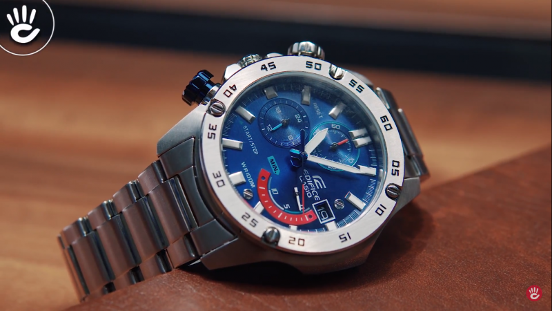 Thoáng nhìn đã tạo nên cảm giác mạnh mẽ, chắc chắn từ chiếc đồng hồ Casio Edifice EFV-530D-2AVUDF