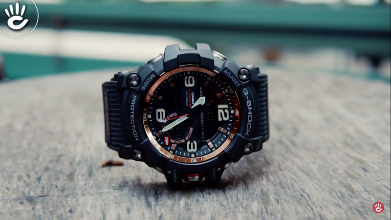 Đồng hồ G-Shock GG-1000-1ADR có mặt số tròn to, kim chỉ và vạch số màu trắng trang nhã