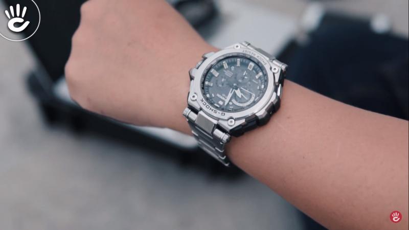 Chiếc đồng hồ được tích hợp nhiều chức năng nâng cao GPS,Multiband 6, Tough Solar và công nghệ Triple Resist - MTG-G1000D-1A2DR