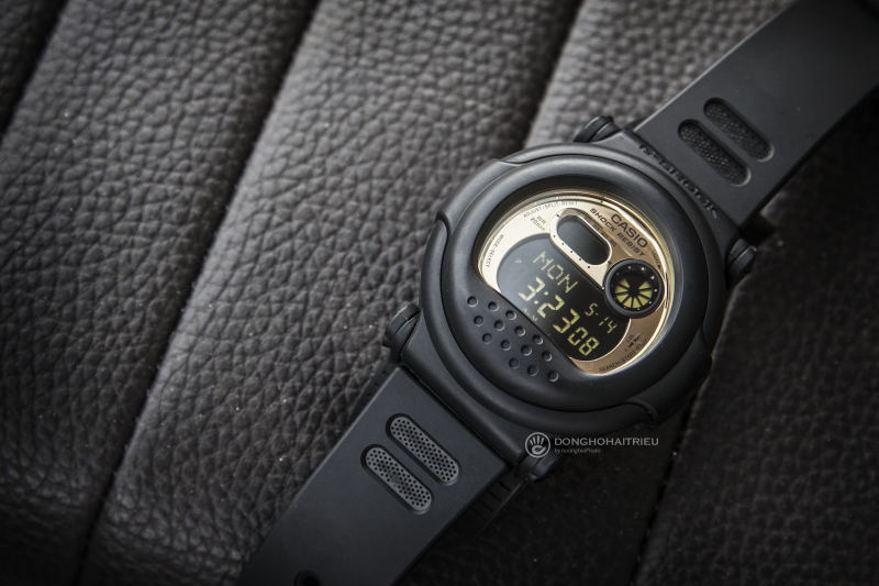 Ngoài thiết kế mặt đồng hồ lạ mắt thì chiếc đồng hồ này còn tích hợp nhiều tính năng hữu ích - G-001CB-1DR