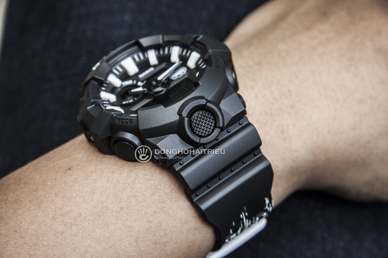 Mẫu G-Shock GA-700EH-1ADR mạnh mẽ gây ấn tượng - GA-700EH-1ADR