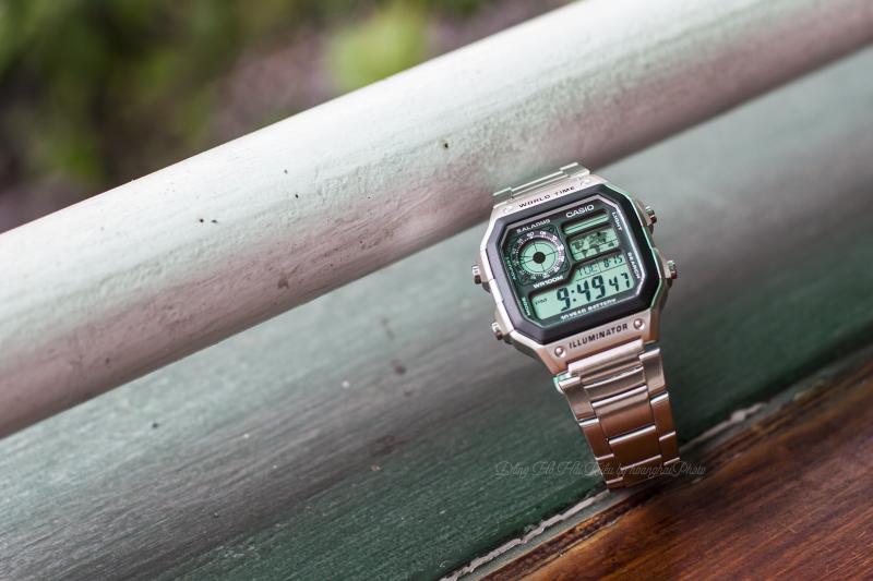 Mặt kính Resin Glass giúp chống xước tốt hơn so với những Casio khác - Casio AE1200WHD
