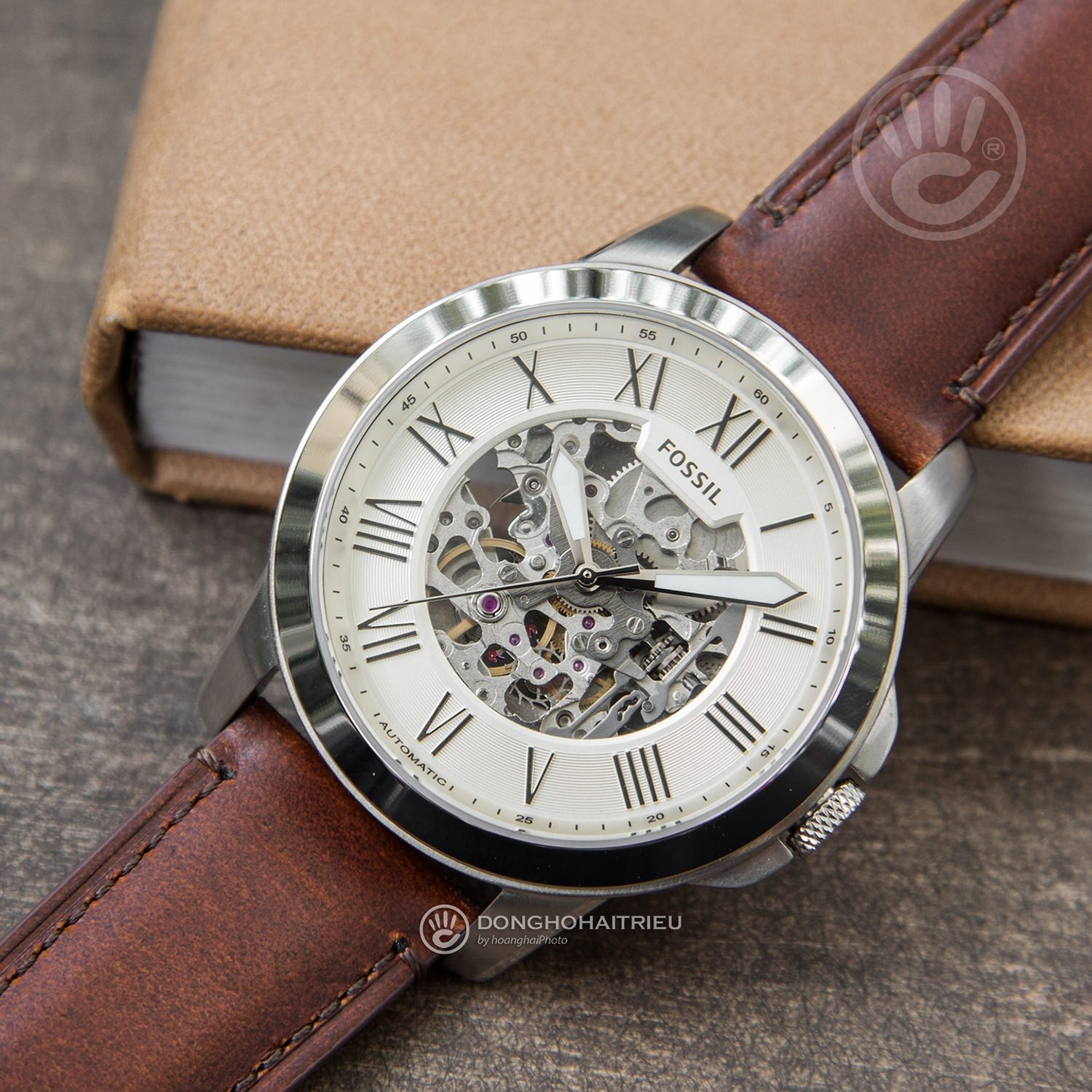 FOSSIL-ME3099-1