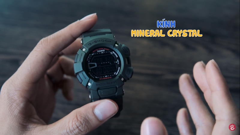 G-Shock Mudman với mặt kính nhựa đem lại sự chắc chắn, chống va đập tốt