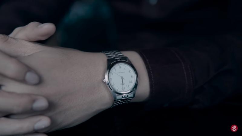 Đồng hồ Casio MTP-1129A-7BRDF có vỏ và dây đeo kim loại màu bạc sáng bóng, kim chỉ thanh mảnh