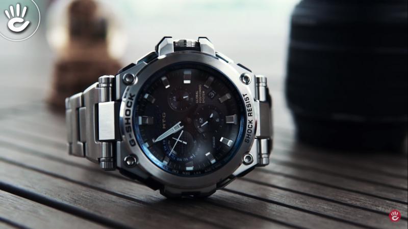 Mẫu G-Shock MTG-G1000D-1A2DR nổi bật với phần thiết kế vẻ ngoài hầm hố đầy nam tính