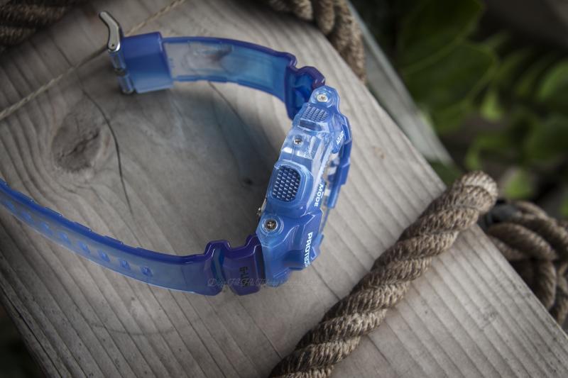 Dây đeoG-Shock GAX-100MSA-2ADR như trong suốt tạo cảm giác nhẹ nhàng