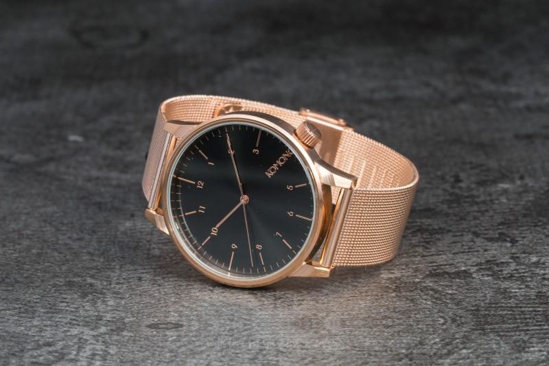Một mẫu đồng hồ nữ của thương hiệu Komono