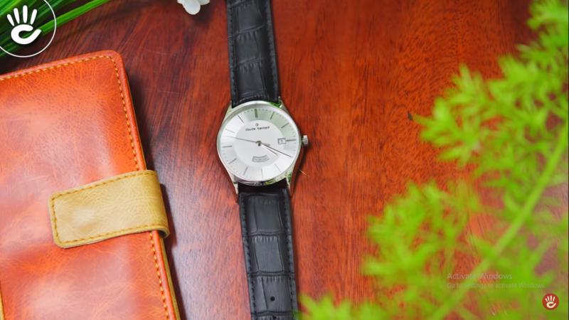 Đồng hồ Claude Bernard 84200.3.AIN có viền kim loại bo tròn tinh tế đem lại phong cách lịch lãm, sang trọng cho phái mạnh