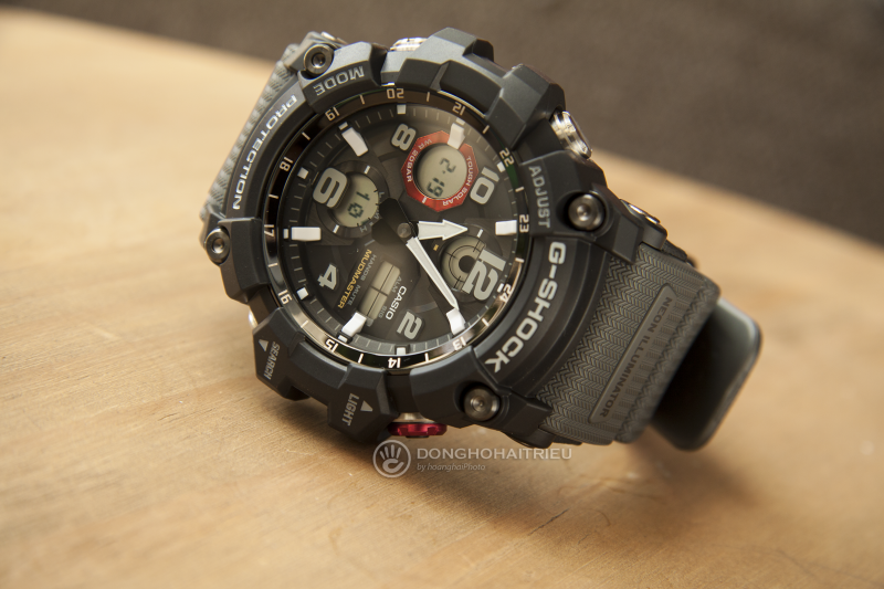 G-Shock GSG-100-1A8DR với nền mặt số điện tử hiện thị đa chức năng tăng thêm vẻ cá tính
