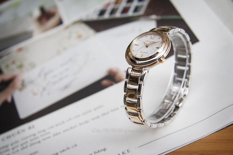 Bộ sưu tập Citizen L được lấy cảm hứng từ vẻ đẹp của ánh trăng khuyết, nghệ thuật phi đối xứng trên đồng hồ