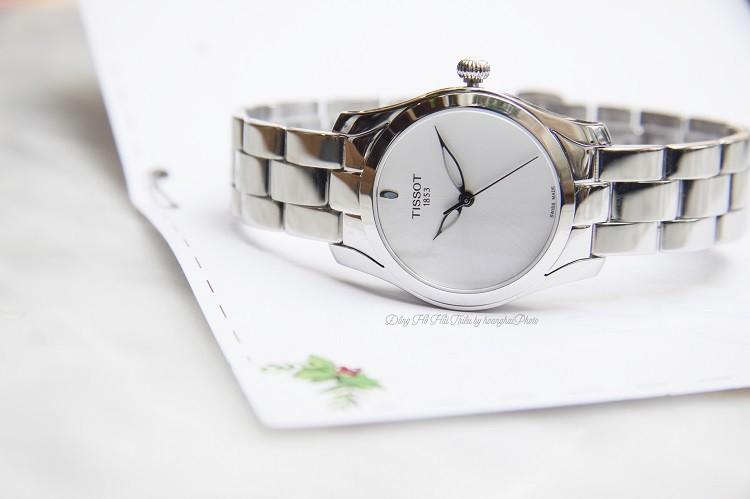 Đồng hồ Tissot T112.210.11.031.00 Viên Đá Xanh Quyến Rũ Hình 1