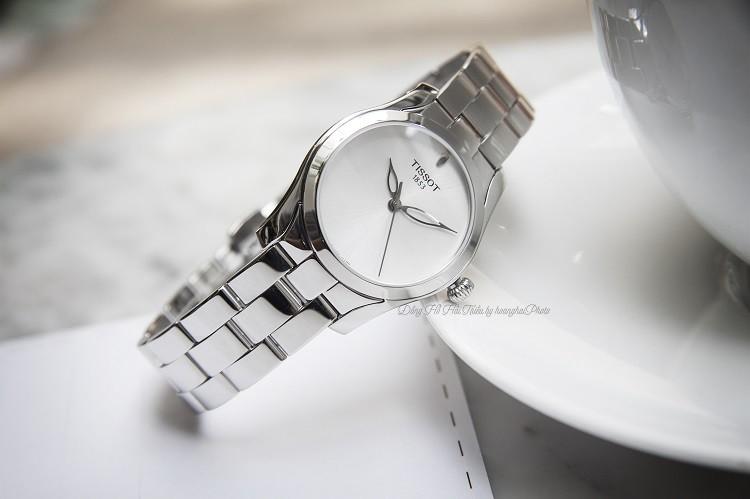 Đồng hồ Tissot T112.210.11.031.00 Viên Đá Xanh Quyến Rũ Hình 2