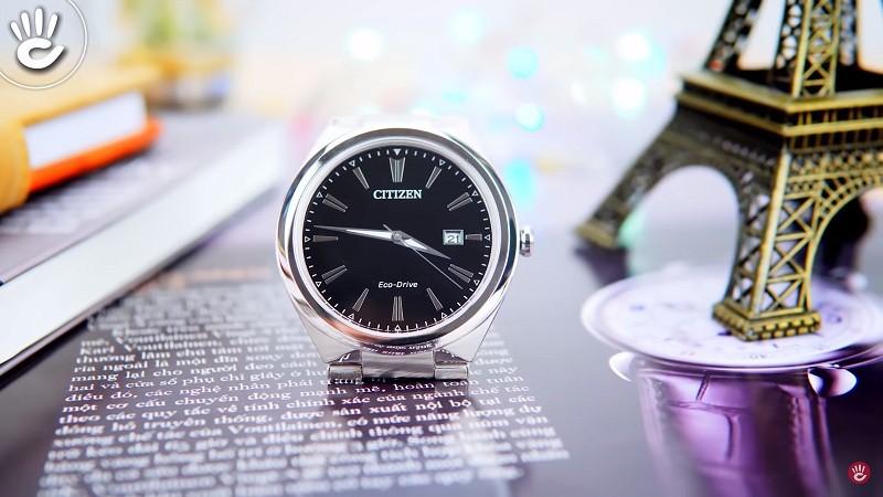 Phần mấu dây củaCitizenAW1370-51F được thiết kế đặc biệt, cho cảm giác liền mạch giữa dây và đồng hồ