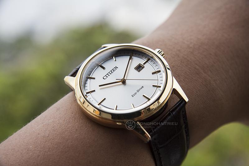 CitizenAW1233-01A là một chiếc đồng hồ dễ đeo, dễ phối đồ và phù hợp trong hầu hết các trường hợp