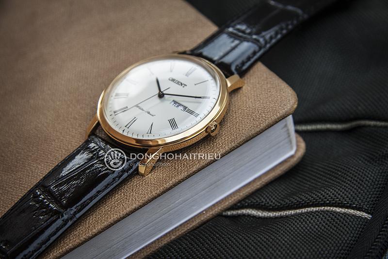 Vì đều sở hữu bộ máy quartz chạy pin nên những mẫu đồng hồ Orient Capital đều rất mỏng