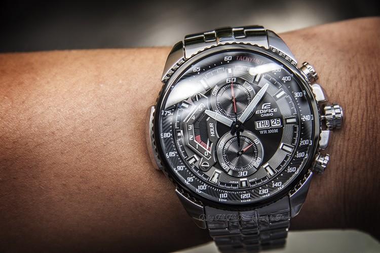 Đồng hồ Casio EF-558D-1AVUDF Pin Sử Dụng Lên Đến 5 Năm hình 2