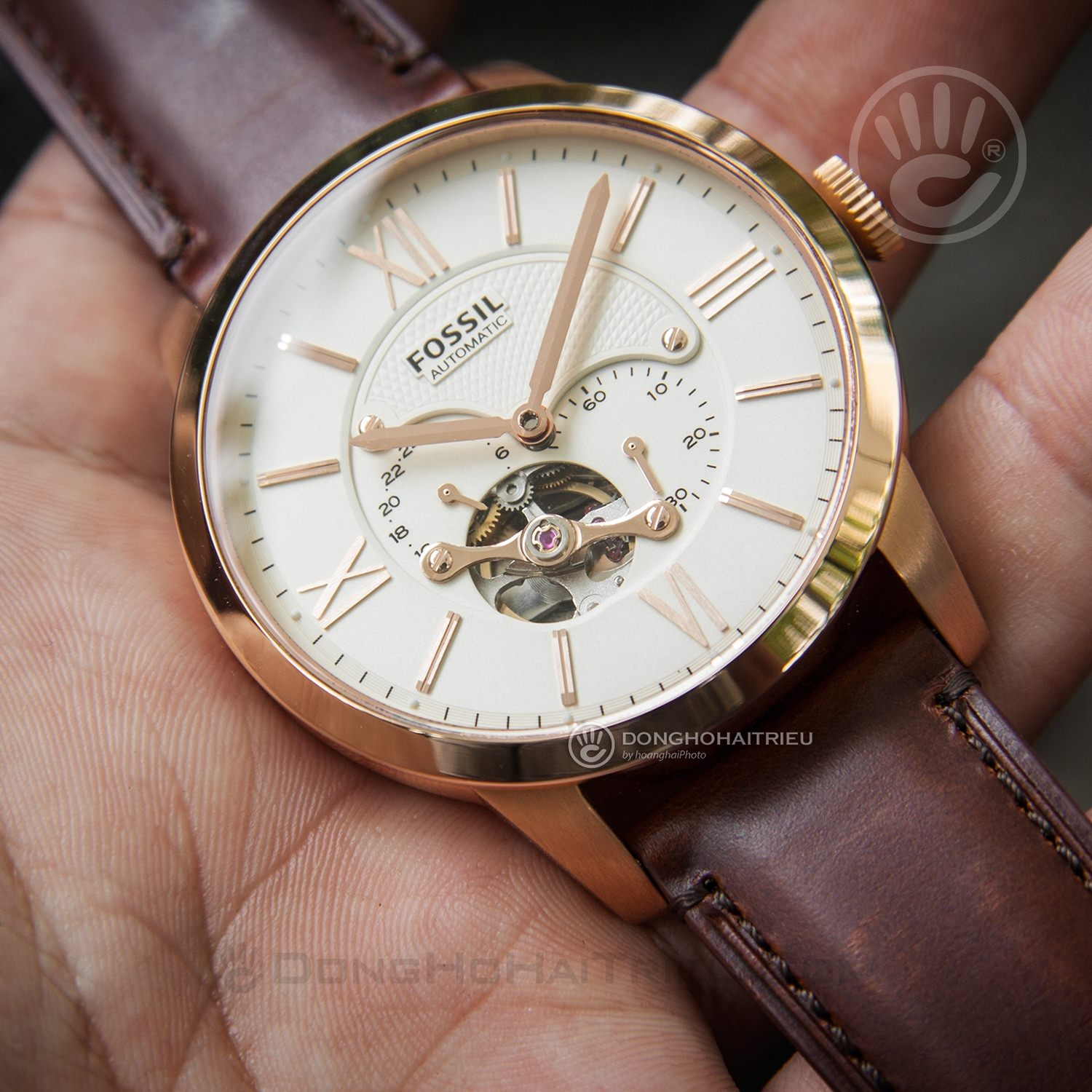 FOSSIL-ME3105-1
