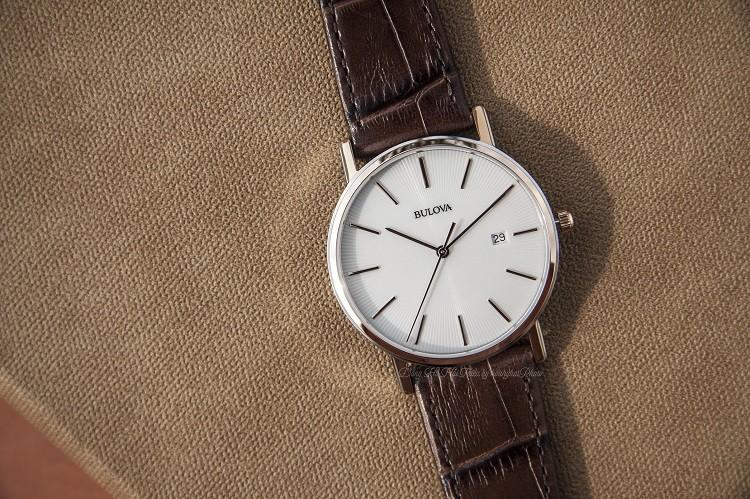 Đồng hồ Bulova 98H51 Thiết Kế 3 Kim Được Dát Mỏng Tinh Tế Hình 1