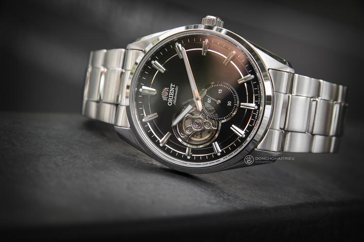 Orient RA-AR0002B10B đồng hồ cơ lộ tim sở hữu phong cách mạnh mẽ hình 1