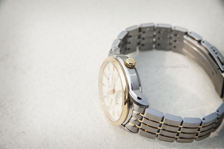 Đồng hồ Orient SDE00001W0 Nay đã có mặt đồng hồ phụ đo năng lượng hình 3