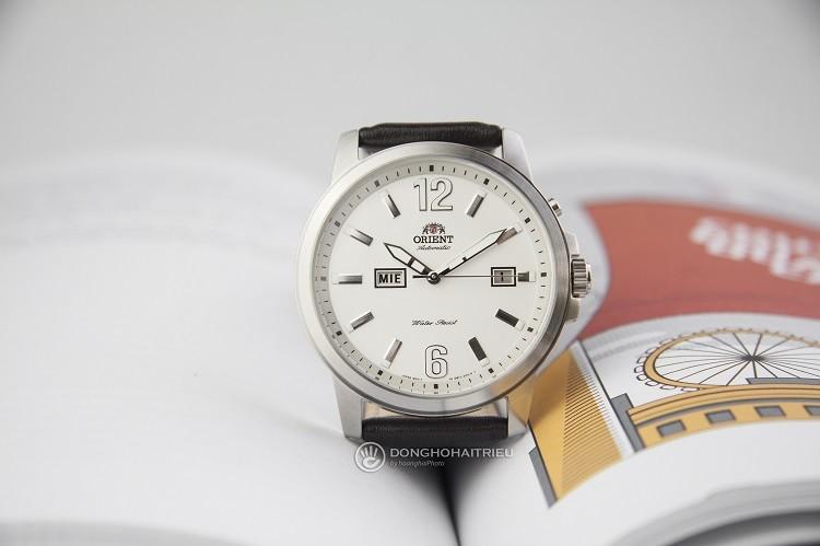 Orient FEM7J00AW9 chỉ 3 triệu cho một chiếc đồng hồ cơ Hình 1