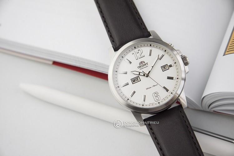 Orient FEM7J00AW9 chỉ 3 triệu cho một chiếc đồng hồ cơ Hình 3