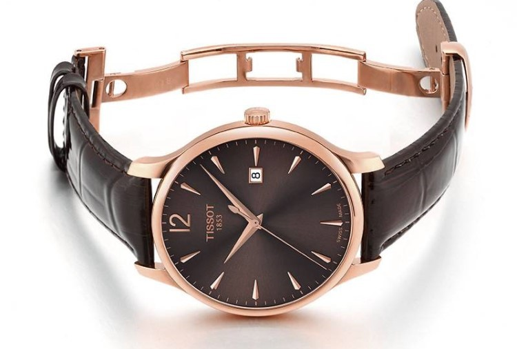 11 triệu nên mua đồng hồ pin Thụy Sỹ hay đồng hồ cơ Nhật Bản?-Hình 2
