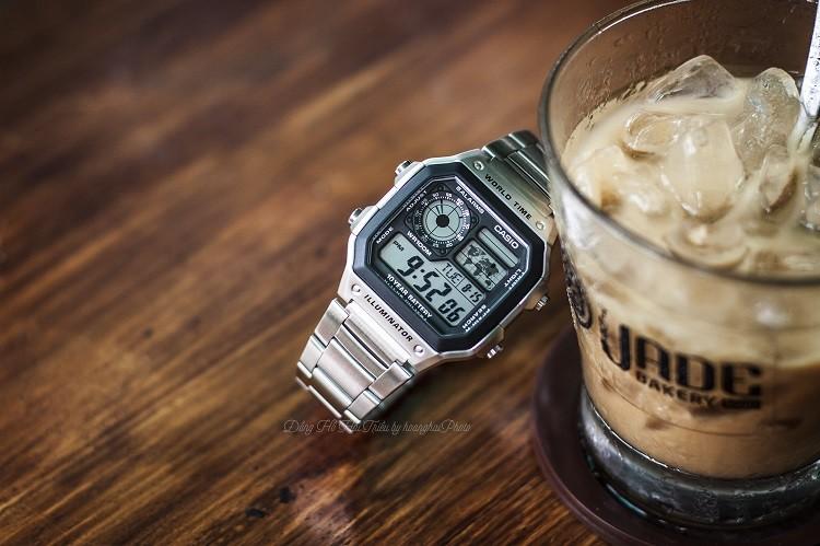 Đồng hồ điện tử Casio AE1200WHD-1AVDF đa chức năng, giá rẻ hình 1