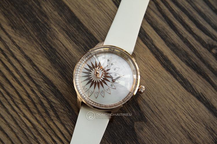 Đồng hồ Fouetté OR-1 nổi bật với vũ công ba lê hình 1