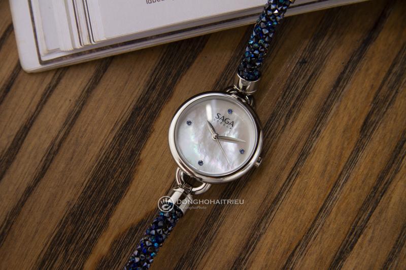 Sử dụng đồng hồ chính hãng, không mua đồng hồ rẻ tiền tránh dị ứng