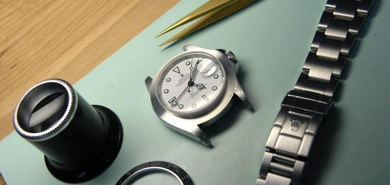 Bật mí hướng dẫn tháo mắt dây đồng hồ tại nhà