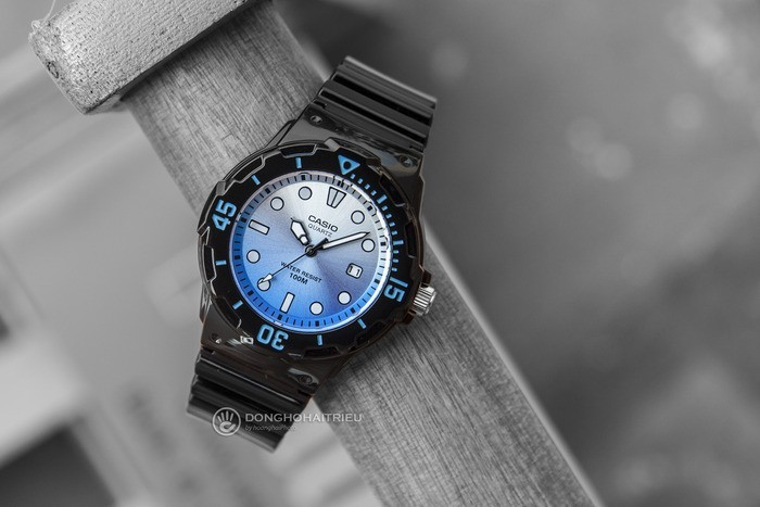 Đồng hồ Casio LRW-200H-2EVDR Khả năng chịu nước lên đến 100m - Ảnh 1
